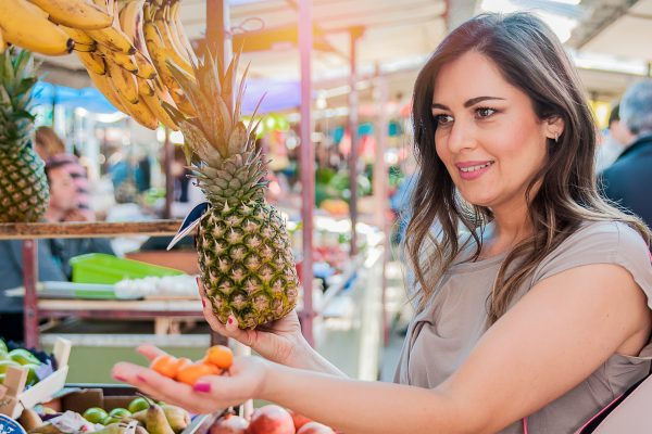 Jornais são disputados entre produtores de abacaxi, pet shops, revendedores de ovos e até funerárias