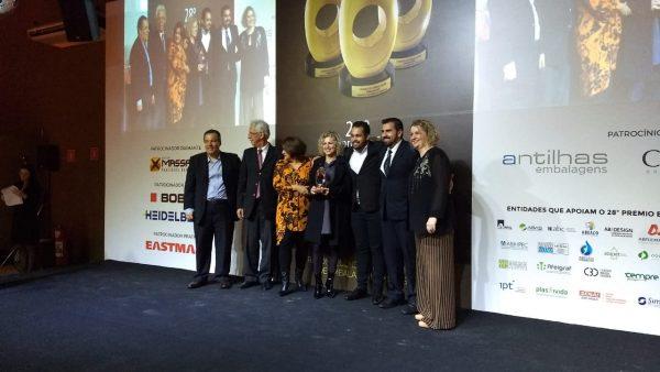 Participação de Two Sides no Prêmio Embanews