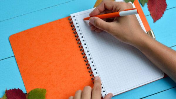 Planeje sua rotina com papel e caneta