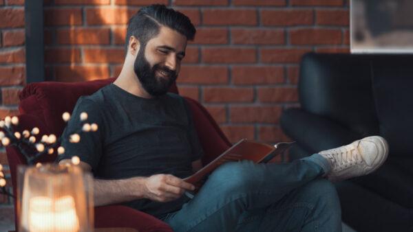 Pesquisa aponta crescimento na venda de livros durante isolamento