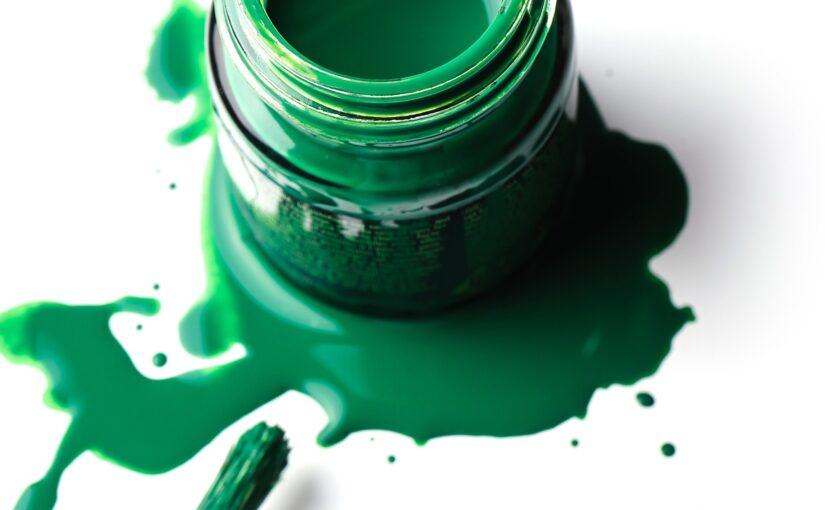 Mais de 810 organizações globais removeram greenwashing